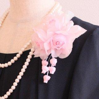和装 髪飾り | 仕様で選ぶ  ピンク バラ 三輪 蕾 コサージュ ケース付き