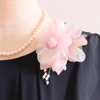 コサージュ | パール 装飾 つき ピンク 光沢 ラメ パール コサージュ ケース付き