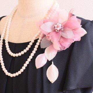 和装 髪飾り   価格で選ぶ  ピンク 光沢 二輪 コサージュ ケース付き