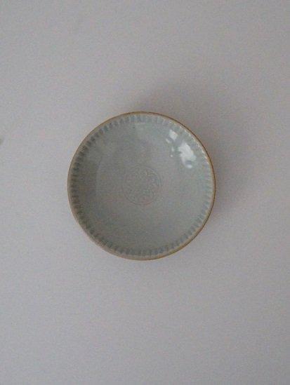 [竹内玄太郎]白磁花紋浅鉢