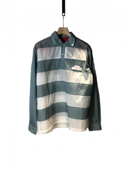 <img class='new_mark_img1' src='https://img.shop-pro.jp/img/new/icons23.gif' style='border:none;display:inline;margin:0px;padding:0px;width:auto;' />Two Buttons Down Detail Shirt With Cut Out Underarm Holes