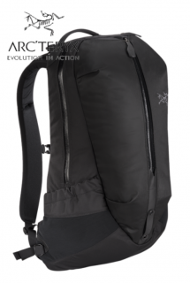 <img class='new_mark_img1' src='https://img.shop-pro.jp/img/new/icons5.gif' style='border:none;display:inline;margin:0px;padding:0px;width:auto;' />Arro 22 Backpack Stealth Bl