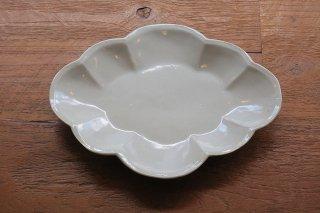 青白磁木瓜皿(鈴木智尋)