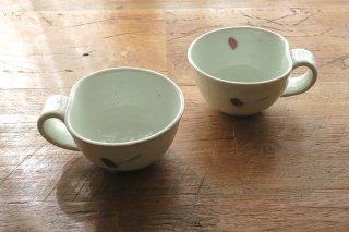 さくらんぼ飯碗・厚み(巌陶房)
