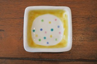 色ちらし角小皿・黄色