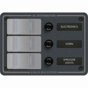 227616<br>BlueSea コンチュラ スイッチ パネル 縦型 3P w/ヒューズ<br>(8054)