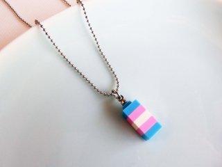 レゴブロックネックレス(トランスジェンダーカラー)