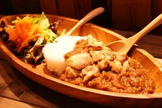 ヤッサプレ Poulet en yassa セネガル料理(玉ねぎと牛肉スープ煮込み)
