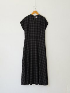 <img class='new_mark_img1' src='https://img.shop-pro.jp/img/new/icons6.gif' style='border:none;display:inline;margin:0px;padding:0px;width:auto;' />RIM.ARK / Noble line classical dress 21AW
