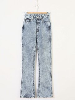 <img class='new_mark_img1' src='https://img.shop-pro.jp/img/new/icons6.gif' style='border:none;display:inline;margin:0px;padding:0px;width:auto;' />HOLIDAY /HIGH WAIST SKINNY FLARE DENIM PANTS(HARD WASH) 21ss