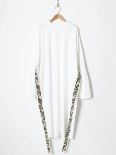 <img class='new_mark_img1' src='https://img.shop-pro.jp/img/new/icons6.gif' style='border:none;display:inline;margin:0px;padding:0px;width:auto;' />HOLIDAY / SUPER FINE DRY L/S LONG DRESS (TAPE) WHITE 21aw