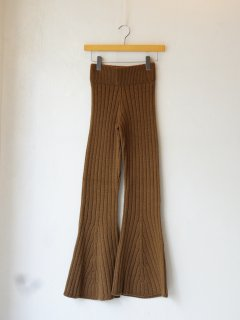 <img class='new_mark_img1' src='https://img.shop-pro.jp/img/new/icons6.gif' style='border:none;display:inline;margin:0px;padding:0px;width:auto;' />determ; / FLARED KNIT PANTS  21AW