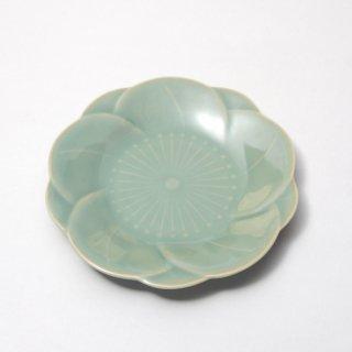 青磁梅形小皿