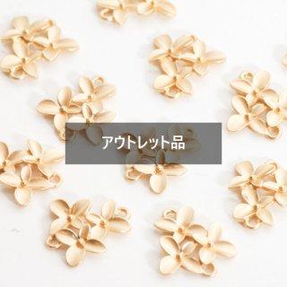 【B品】3つのお花のコネクター コールド チャーム 4個 メタルパーツ
