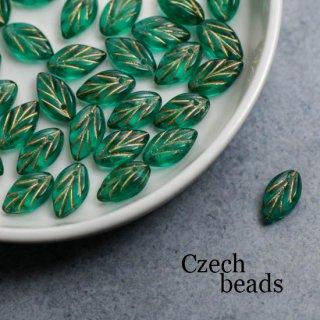 チェコビーズ 葉っぱ グリーン 4個 ガラスビーズ 透明 リーフ クリア スペーサー プレスビーズ