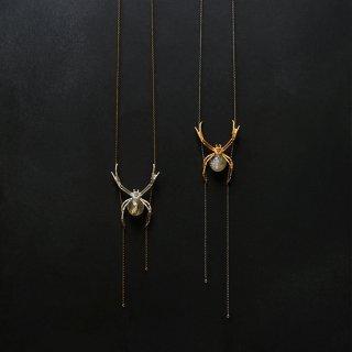 コガネグモ ネックレス