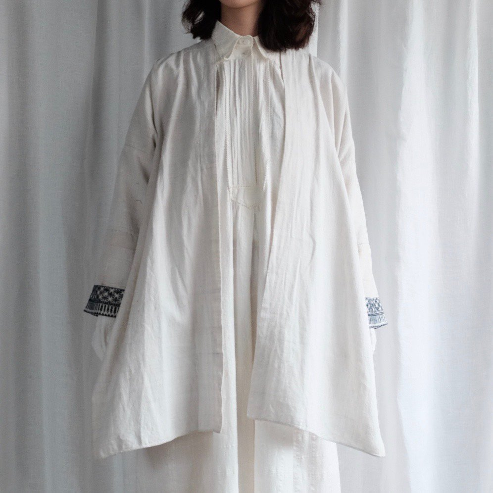 [VINTAGE] Shui traditional embroidered white jacket by Boinu