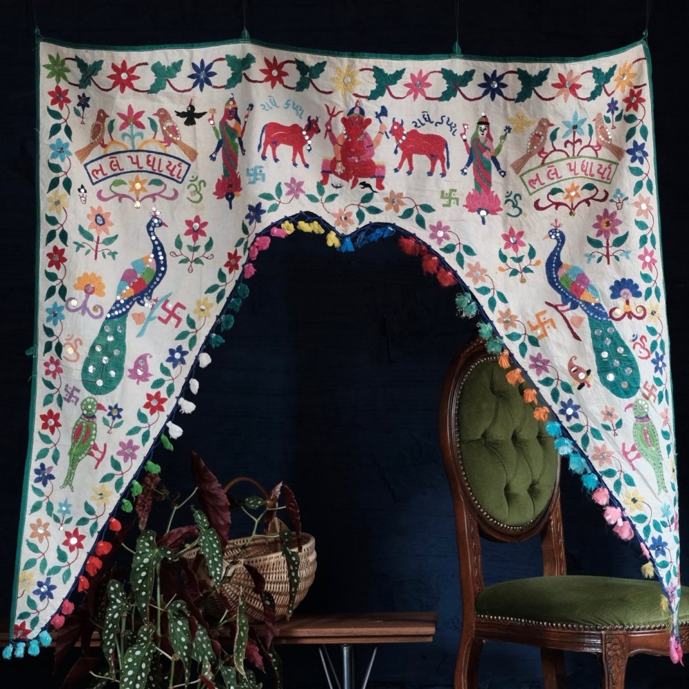 [VINTAGE] Indian Textile Door Blessing with Multi Colour Tassels by Boinu
