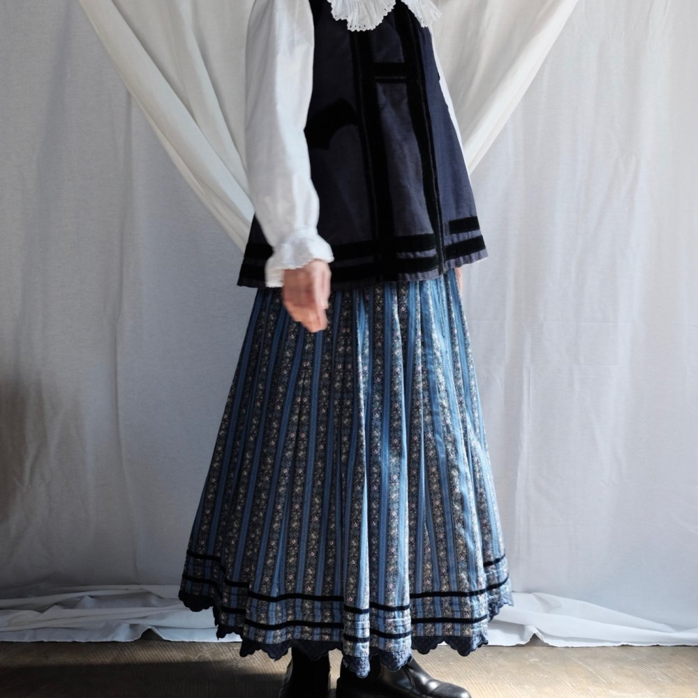 [VINTAGE] Tyrolean Blue Skirt