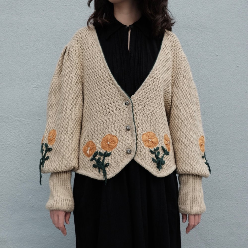 [VINTAGE] 3D Flowered Tyrolean Cardigan