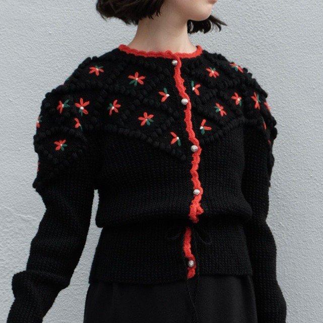 [VINTAGE] Black Flowerbed Cardigan