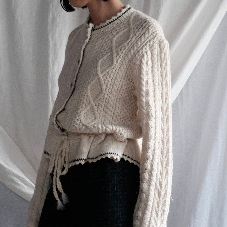 [VINTAGE] Coco Milk White Multiple Pattern Cardigan