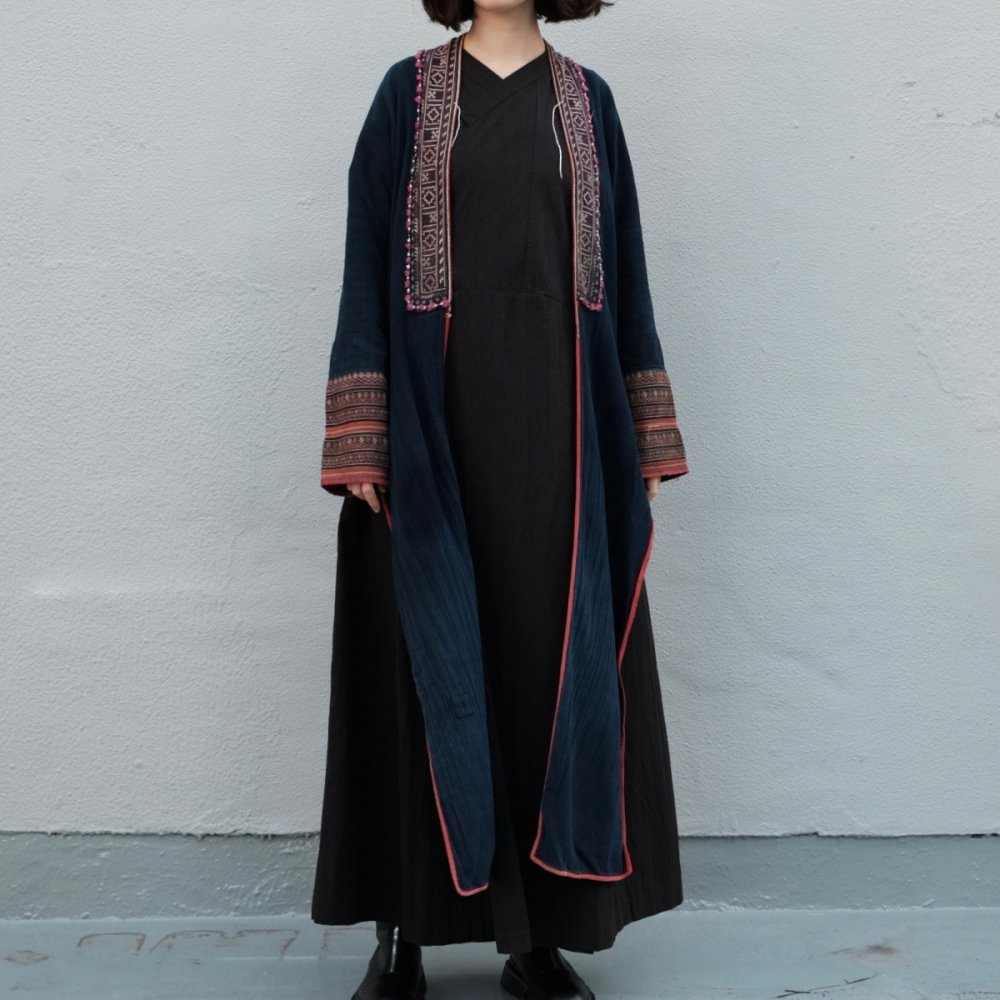 [VINTAGE] Yao People's Traditional Long Jacket by Boinu