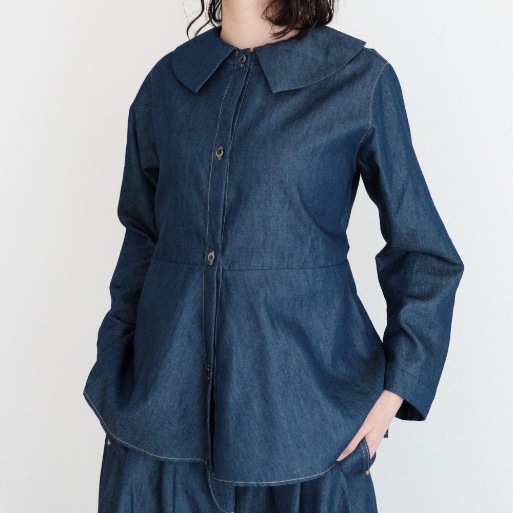 Puritan's Collar Blouse (Indigo) by suie