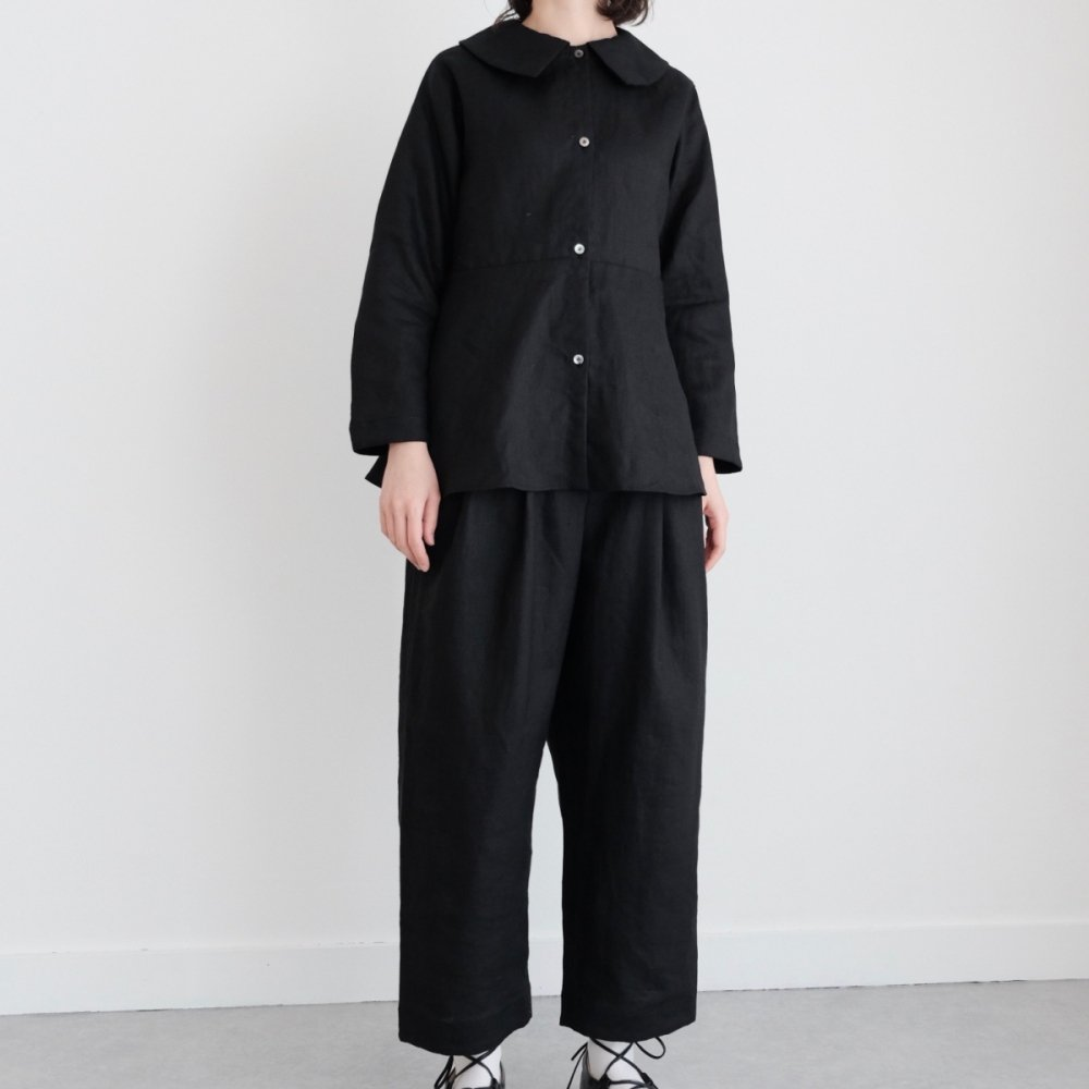 Puritan's Collar Blouse (Black) by suie