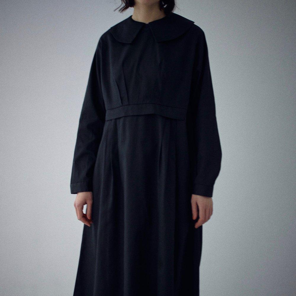 Puritan's Collar Dress (Black) by suie