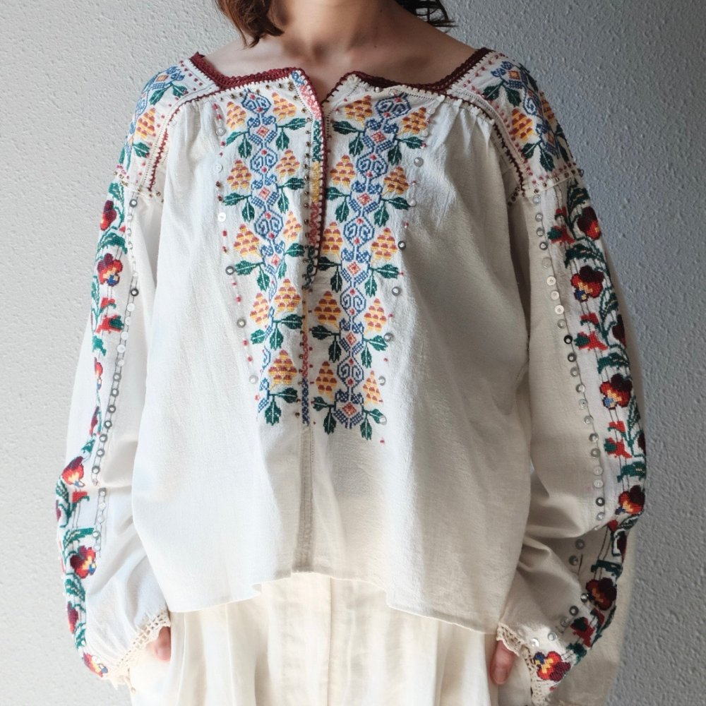 [VINTAGE] Romanian Twinkle Embroidered Blouse