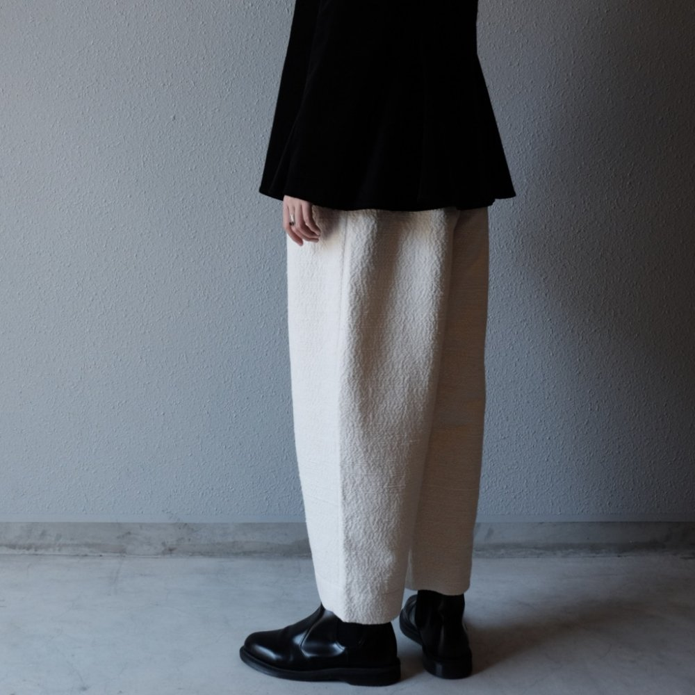 GARABO Span Yarn Textile Trousers by suie