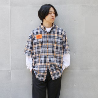 <img class='new_mark_img1' src='https://img.shop-pro.jp/img/new/icons5.gif' style='border:none;display:inline;margin:0px;padding:0px;width:auto;' />2000s Carhartt カーハート/ショートスリーブB.Dシャツ WS5【XL】