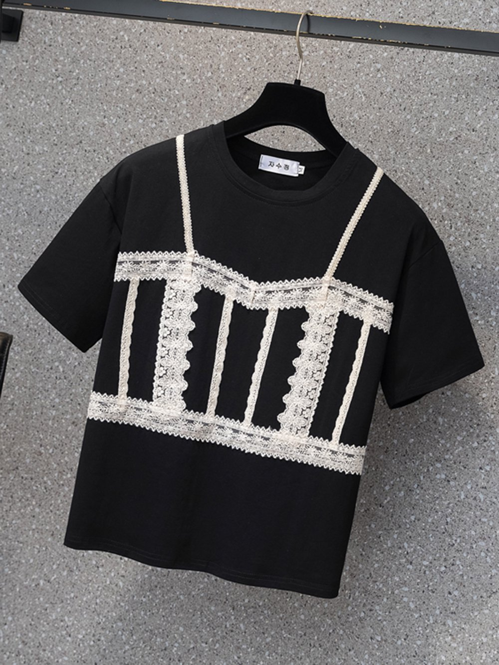 【広州仕入れ】ワンポイントレース 半袖ラウンドネックTシャツ