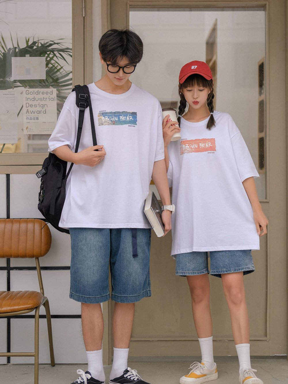 【広州仕入れ】ユニセックスルーズグラフィックTシャツ