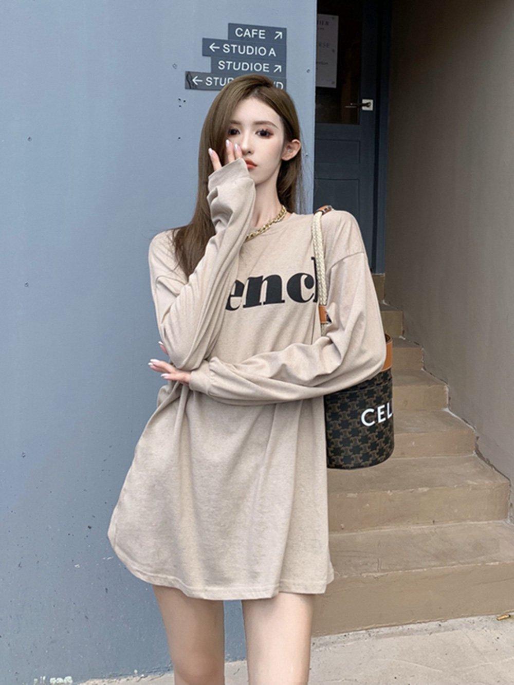 【広州仕入れ】サマーポートスタイルレトロレタープリント薄手のルーズミドル丈長袖Tシャツ