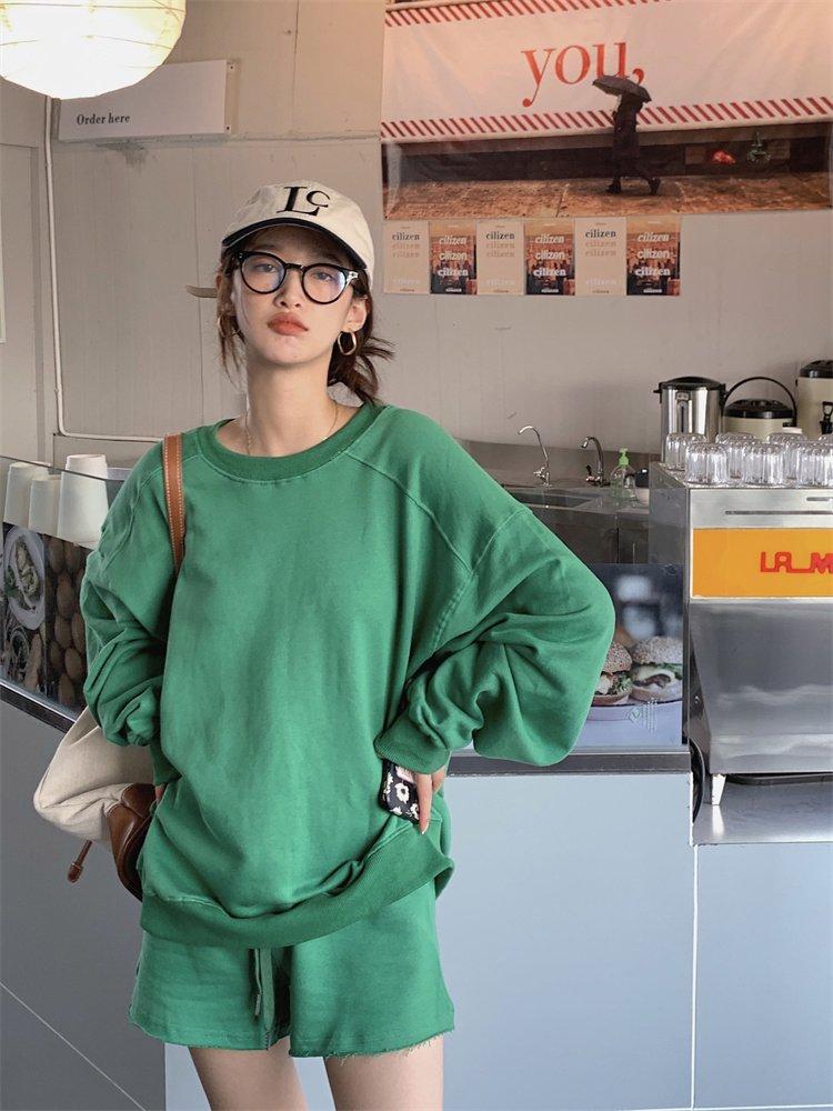 【広州仕入れ】ルーズラウンドネックプルオーバー&カジュアルショートパンツ