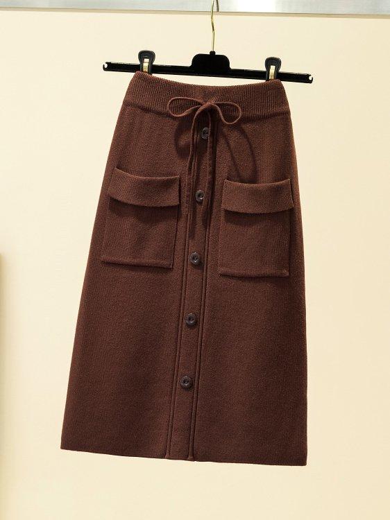 【広州仕入れ】ポケット付き フロントボタンニットスカート