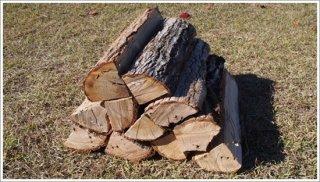 【未乾燥薪】45cm広葉樹ナラ 1箱 約25kg 中大割り 長野県産 ※こちらの商品は未乾燥品になります。