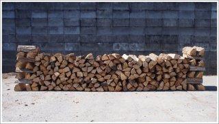 【未乾燥薪】☆★お買い得★☆ 30cm広葉樹ナラ 10箱 約250kg 中大割り 長野県産 ※こちらの商品は未乾燥品になります。