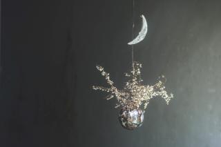 """西野詩織 × 篠原智之 """"omo-yai """"「少年の目と二日の月」"""