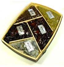折箱詰合せ (青実さんしょう、松茸姿煮、松茸昆布、塩吹き昆布 (細切り)、あかね昆布)