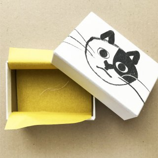 作家:ムツロマサコ ねこひげ箱