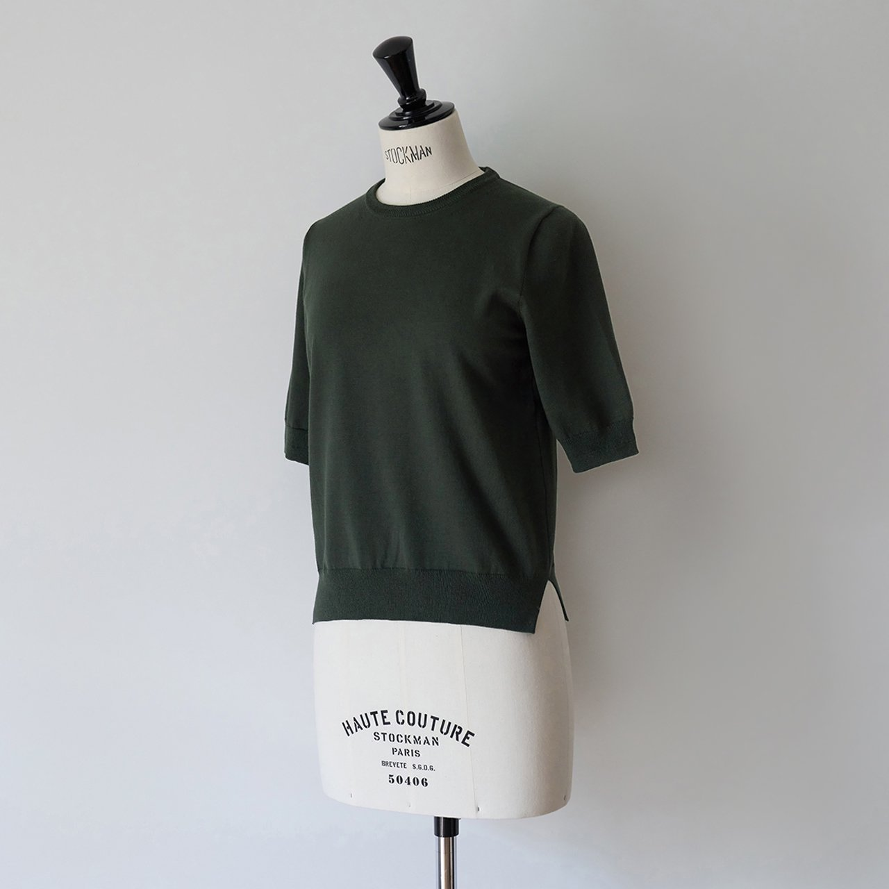 Basic half sleeve knit<BR>KHAKI