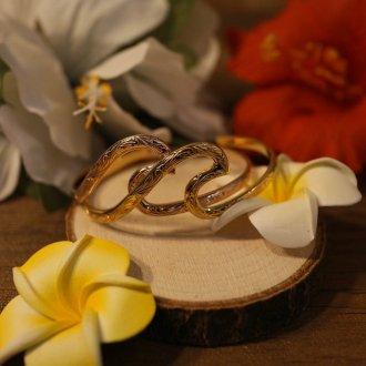 【Hawaiian Jewelry】サージカルステンレス ウェーブバングル
