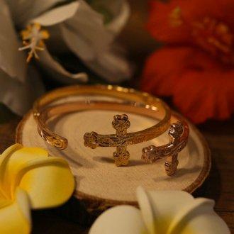 【Hawaiian Jewelry】サージカルステンレス クロスバングル