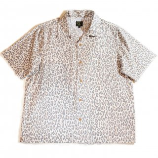 <img class='new_mark_img1' src='https://img.shop-pro.jp/img/new/icons1.gif' style='border:none;display:inline;margin:0px;padding:0px;width:auto;' />Leopard S/S Shirts