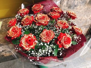 花束 赤バラ かすみ