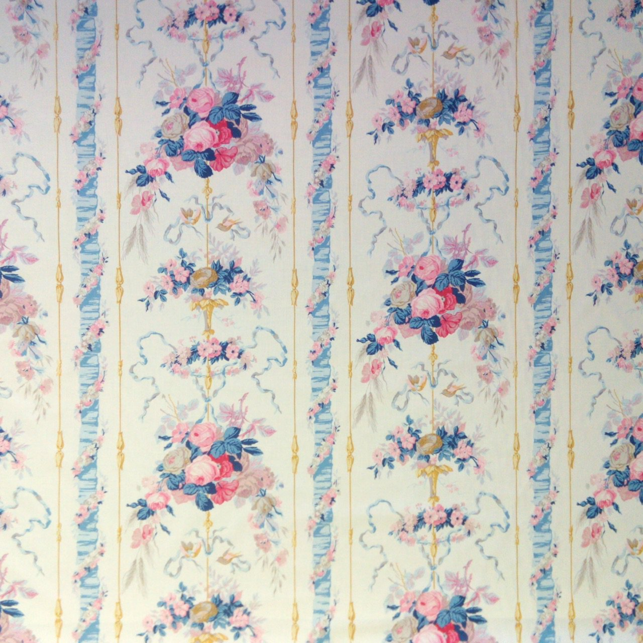fabric/ファブリック/生地 コットン100% フラワープリント 《ランバル公妃》 クリーム by Charles Burger (シャールブルジェ)