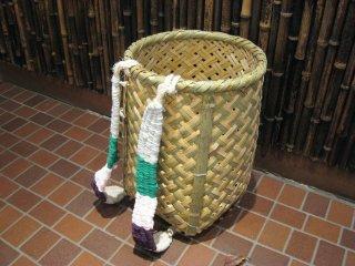 竹製背負い篭(四つ目)小